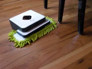 robotičtí pomocníci do domácnosti mop