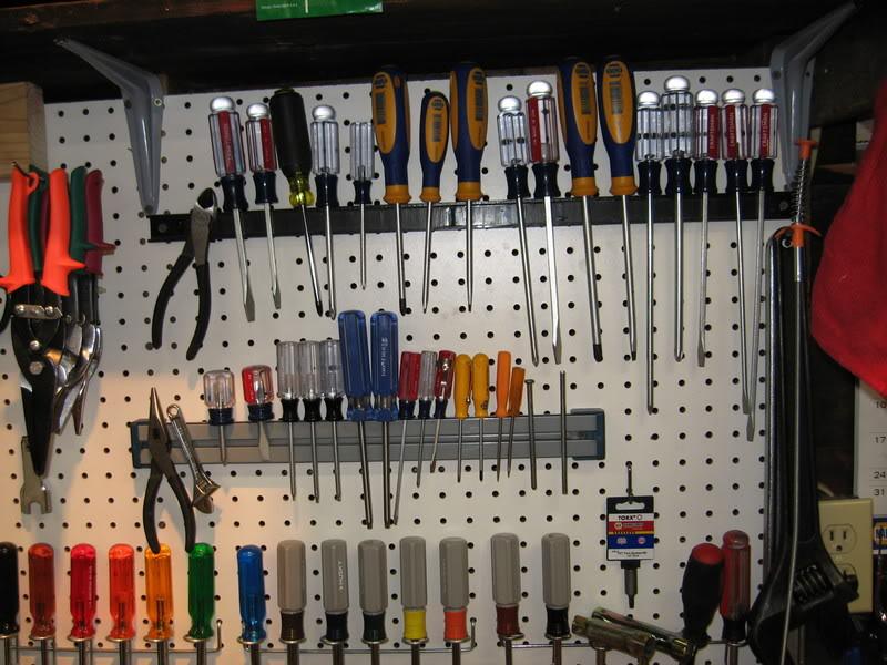 bo garage need a space for tools ideas - Jak dostat do garáže auto Udělejte v n pořádek…