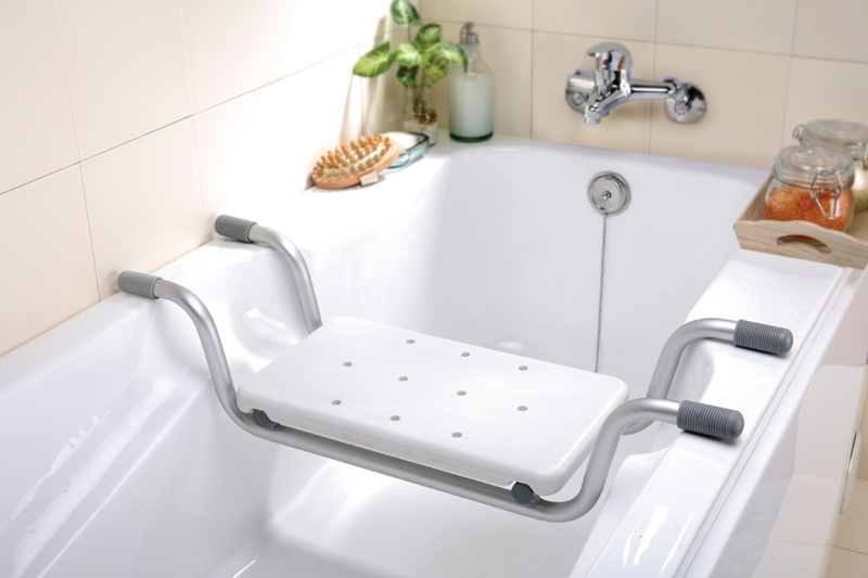 koupelna-pro-seniory-sedatko-do-vany