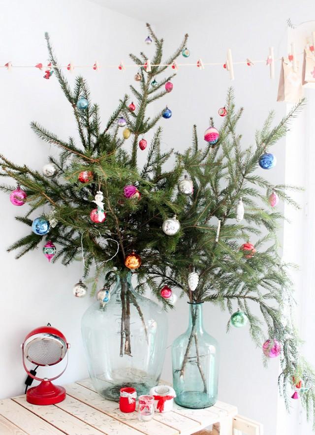 male-vanocni-stromky-vaza-vetve