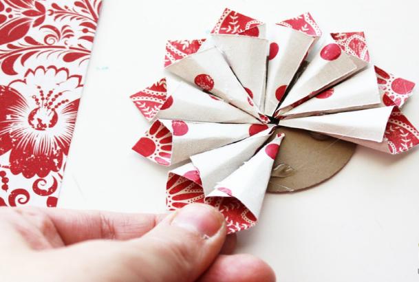 ozdoby-na-stromecek-kvetina-papir