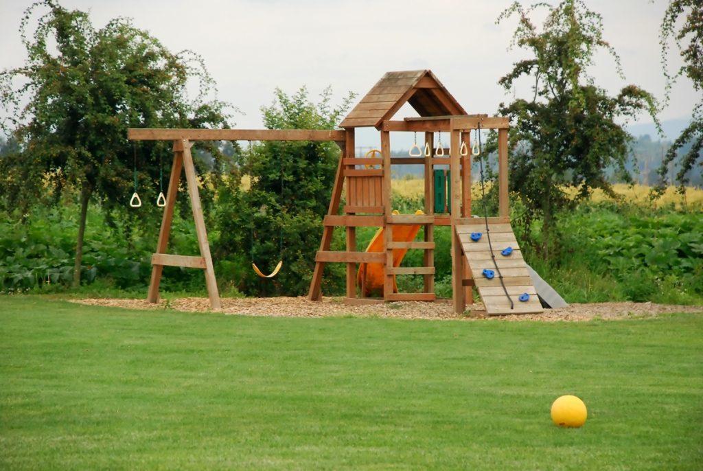 Vybudujte dětem na zahradě hřiště. Poradíme, jak na to