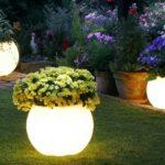 Jaké vybrat osvětlení na zahradu, balkon či terasu?