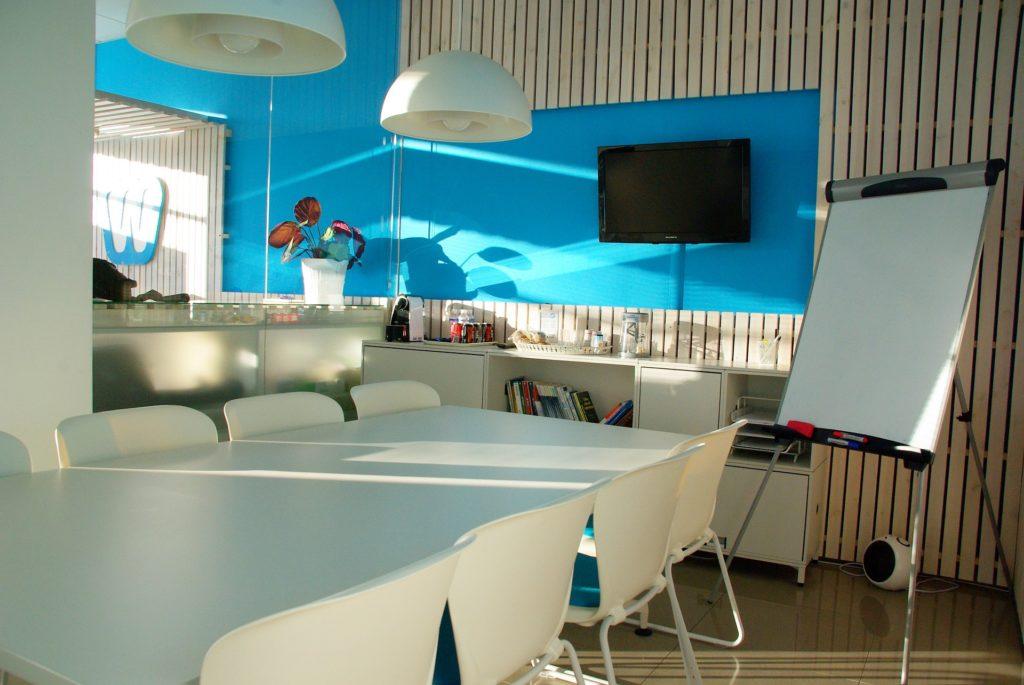 Jak správně sladit kancelářský nábytek a vybavení kanceláře