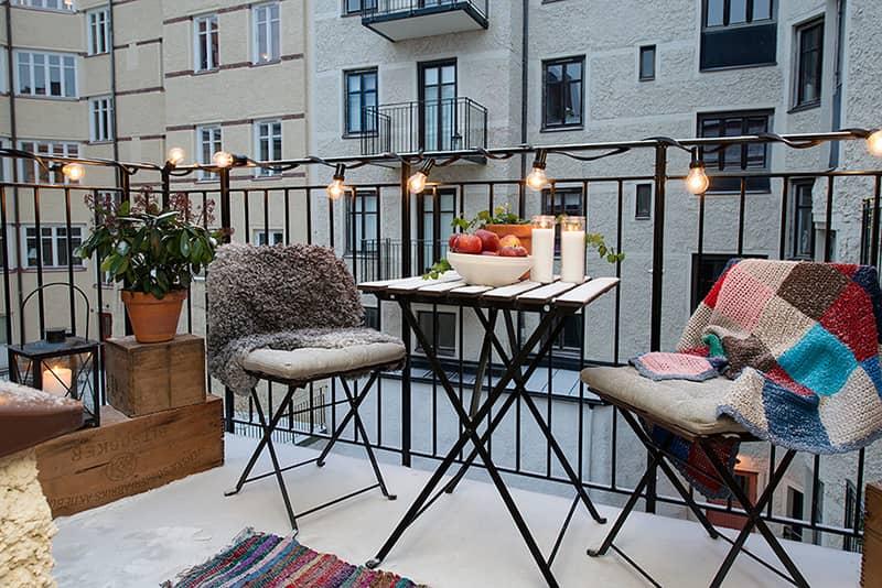 l v zimě lze zkrášlit balkon i lodžii. Jak na to?