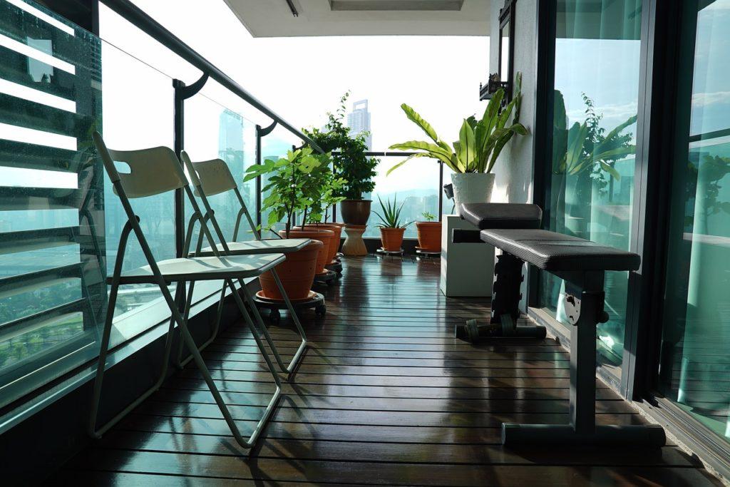 I na balkoně si můžete dopřát soukromí! Poradíme jak!