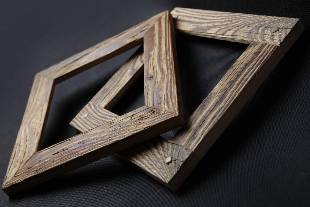 I dřevěné rámy mohou mít svůj příběh