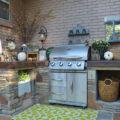 Rádi trávíte léto na zahradě, pořiďte si letní kuchyň