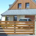 Vjezdové brány, branky a ploty. Bez nich nebudete na vaší zahradě v bezpečí